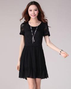 【蒂妮佳】蕾丝拼接雪纺压折连衣裙(黑色)