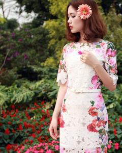 女装蕾丝连衣裙印花新款连衣裙(白色)