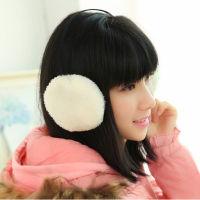 冬天里的可爱女生!可爱毛绒绒保暖耳罩