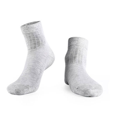 防臭脚和抗菌的纤维短袜