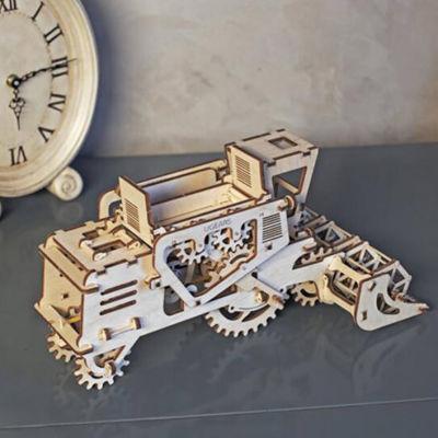 乌克兰UGEARS木质机械传动模型|联合收割机